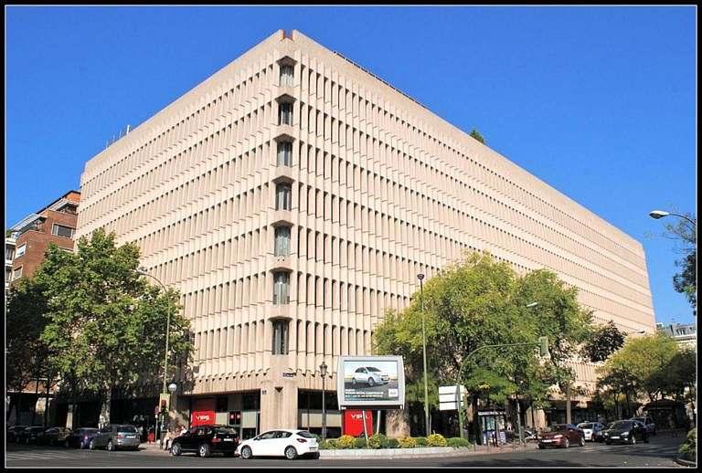 operacion de alquiler de sede corporativa banco alantra partners